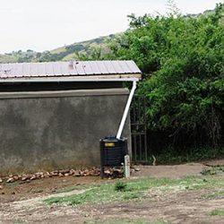 1 Kamuli toilet met handenwas plaats a
