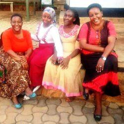 medewerkers ( Ruth, Faridah, Florence en Esther) a